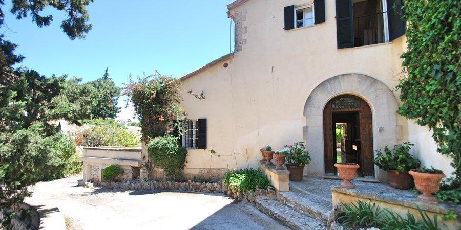 Fantastic manor house in Genova