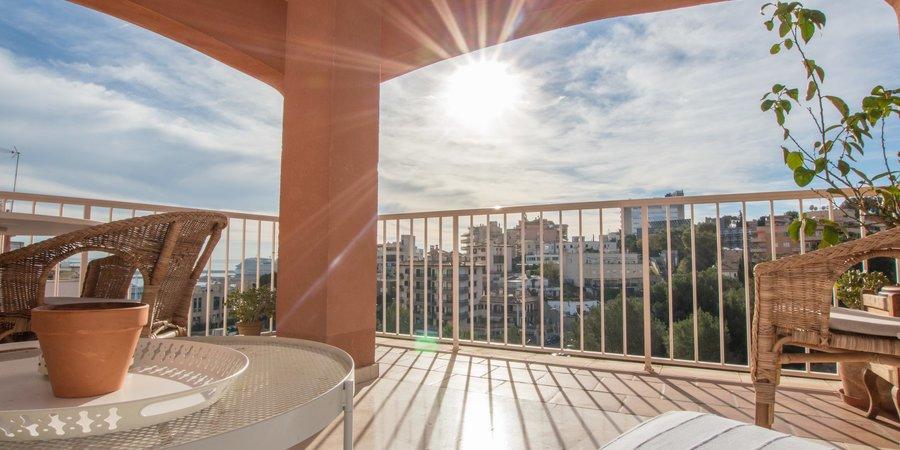 Helle und geräumige Wohnung mit Terrasse in Terreno