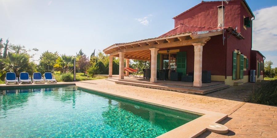 Hemtrevligt lant hus i vinregionen Binnisalem