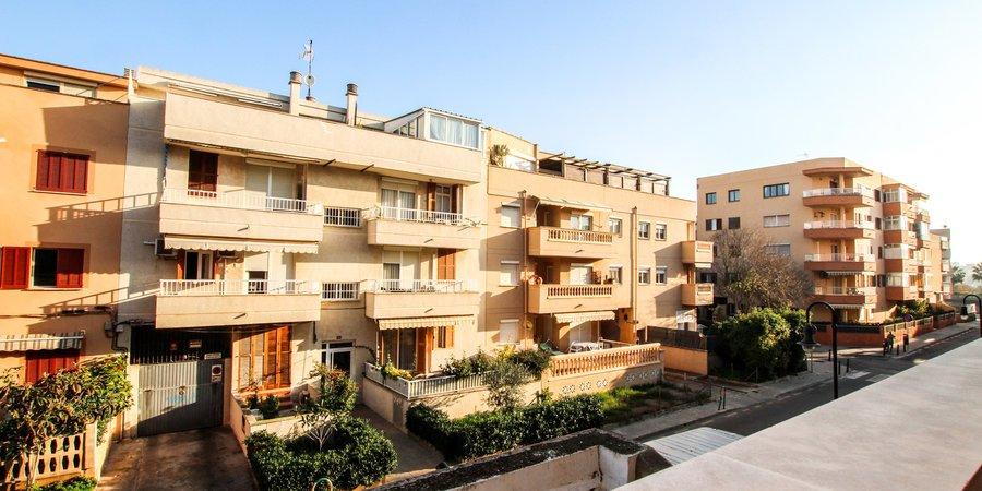Spacious three bedroom apartment in Portixol