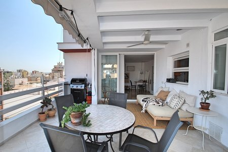 Sunny penthouse in Foners, Palma