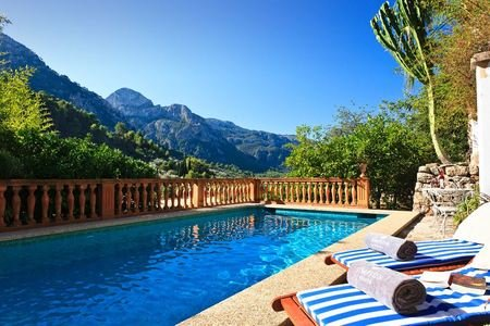 Geniune mallorquian house with pool in Fornalutx