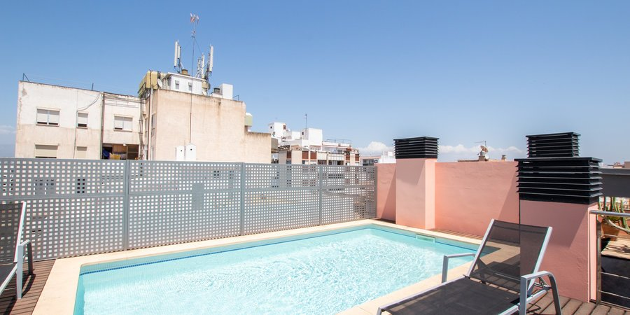Elegant penthouse with private pool in Palma Centre