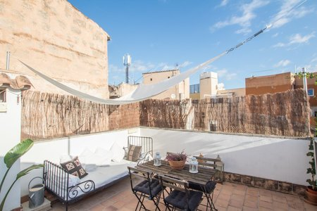 Sunny triplex penthouse in Old Town
