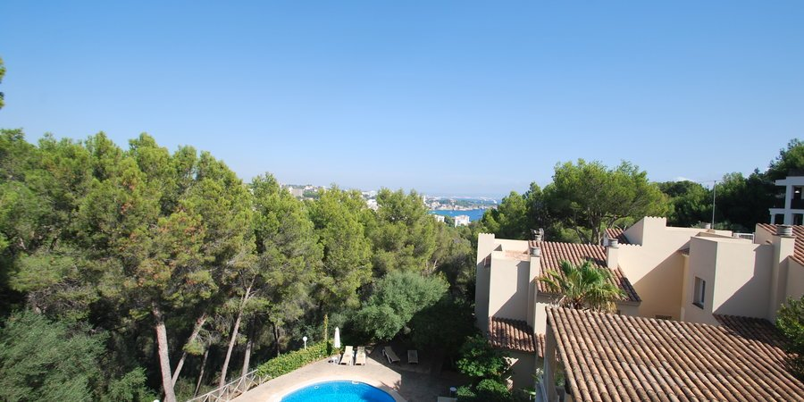 Beautiful apartment with sea views and pool in Bendinat