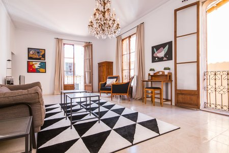 Beautiful Modernista apartment in the Old town