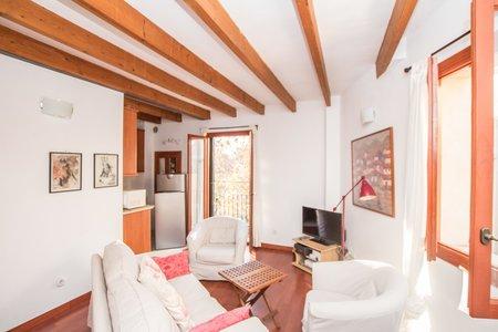 Nice two bedroom apartment in La Calatrava, Old Town