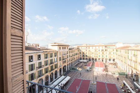 Fabulous penthouse with terrace and parking in Plaza Mayor