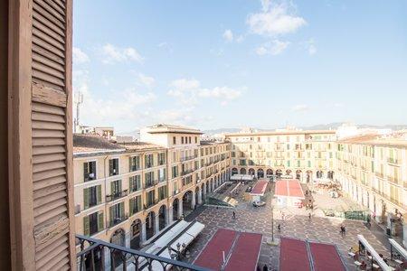 Fantastisk takvåning med terrass och parkering vid Plaza Mayor