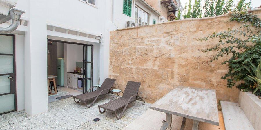 Apartamento de planta baja contemporáneo con terraza jardín en Santa Catalina