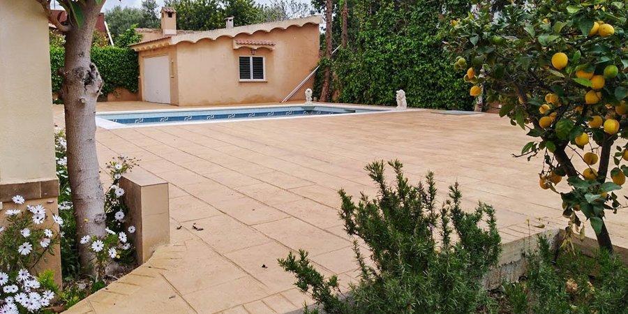 Trevlig villa med pool och trädgård i Palmanyola