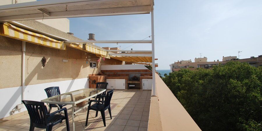 Loft apartment with large terrace near the sea