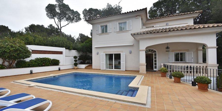 Elegante villa con piscina en Portals Nous