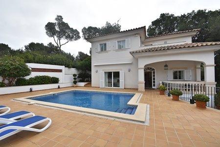 Elegant villa med pool i Portals Nous