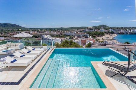 Fantástica villa con vistas panorámicas al mar