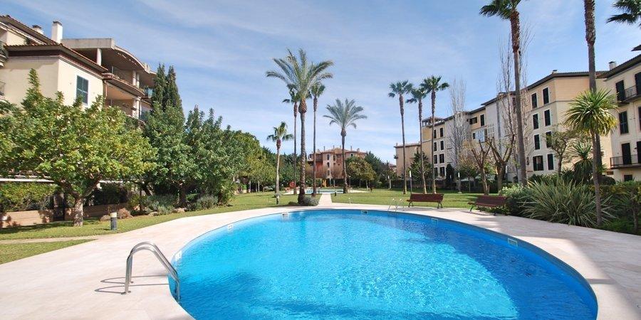 Trevlig lägenhet i fin förening med pool