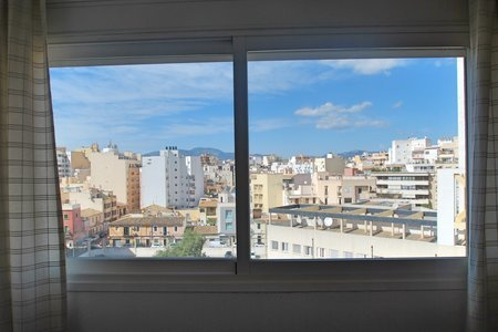 Bright apartment on the sixth floor with nice views