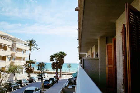 Apartment just 20m from the sea in Molinar