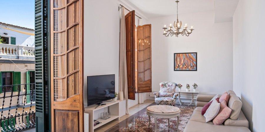 Apartamento amueblado y decorado de bon gusto