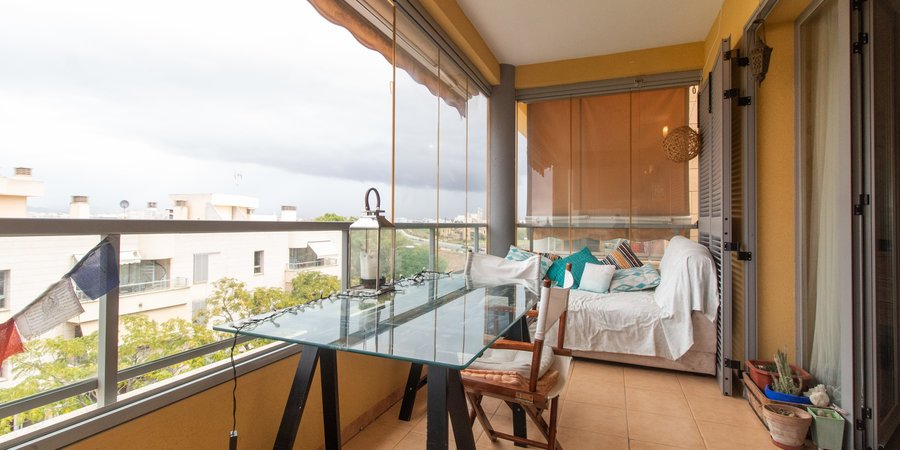 Lovely apartment with terrace and community pool in Molinar