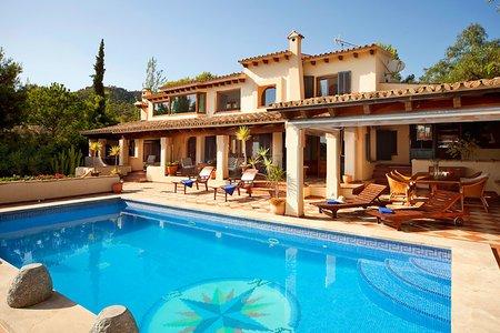 Exklusive Villa mit Meerblick in Bendinat