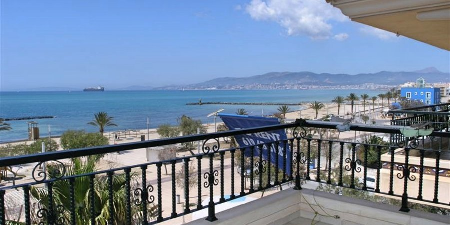 Nice apartment with sea views in Ciudad Jardin