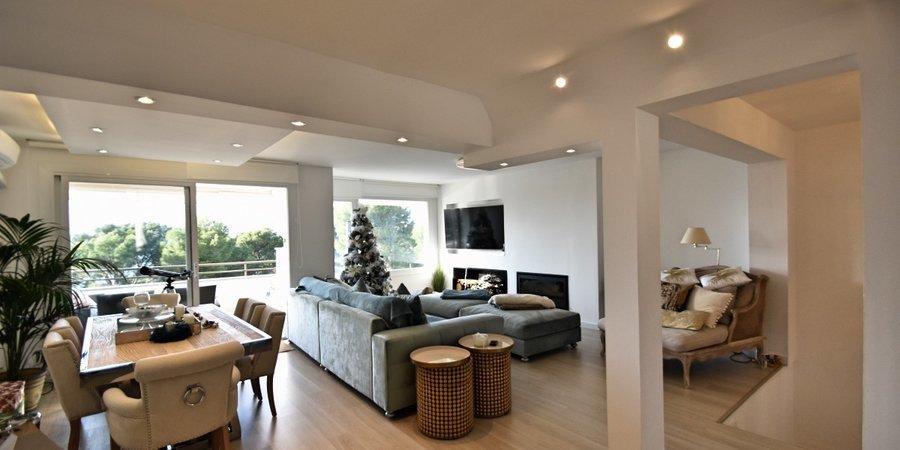 Moderne Doppelhaushäfte in Santa Ponsa