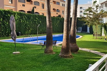 Ground floor apartment with terrace in Portixol