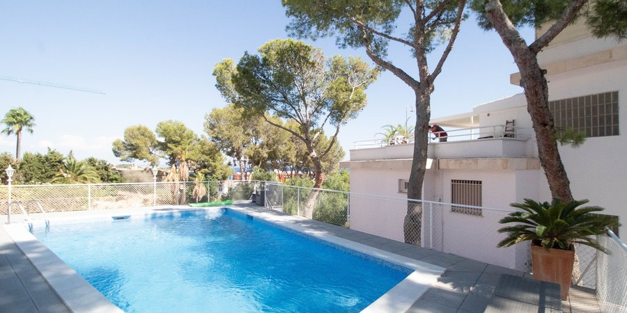 Modern lägenhet med havsutsikt i Cas Catala