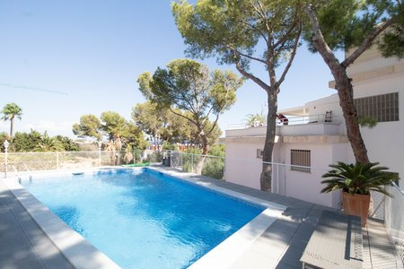 Modern apartment with sea views in Cas Catala