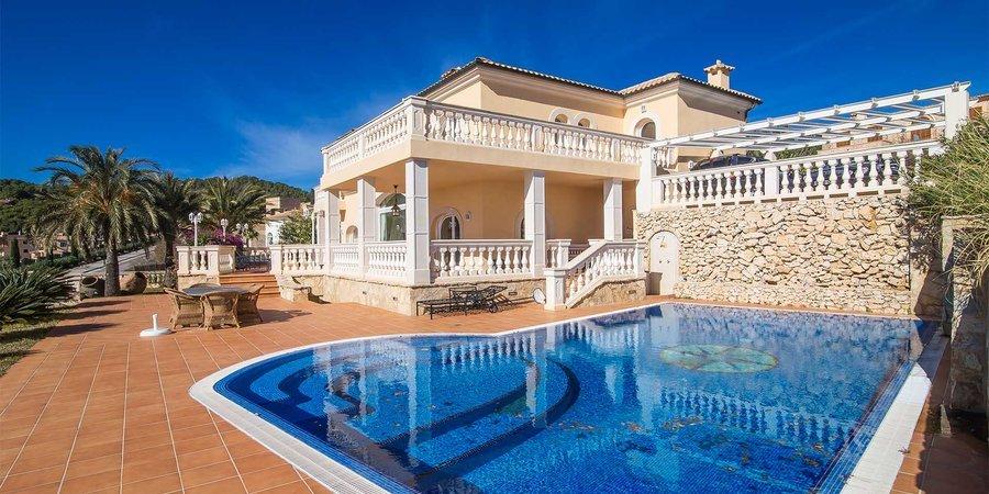 Villa med havsutsikt i Camp de Mar
