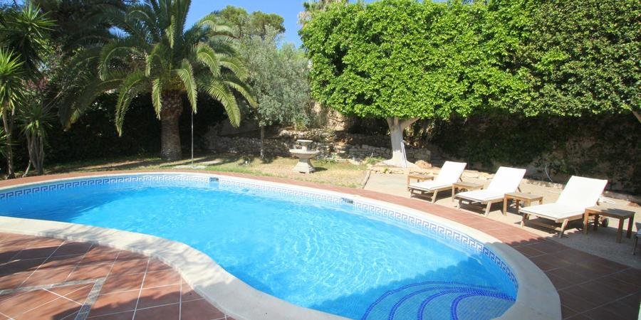 Charmigt hus med pool i Palmanova